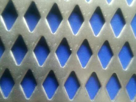菱形冲孔网主要为工业领域液体过滤作用和家居在线观看巨乳人妻电影网、酒店等的装饰装潢使用